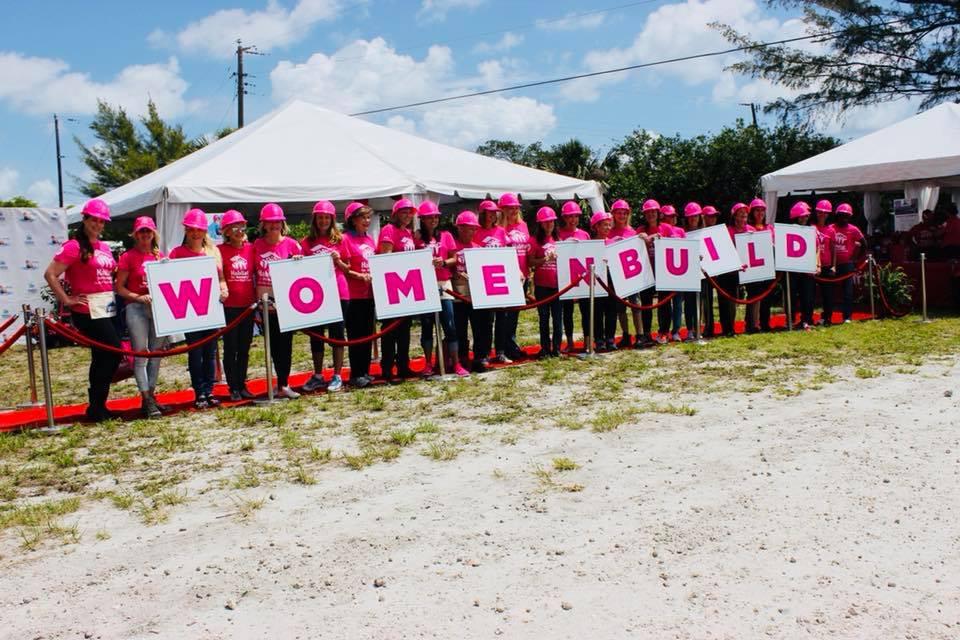 women build habitat for humanity